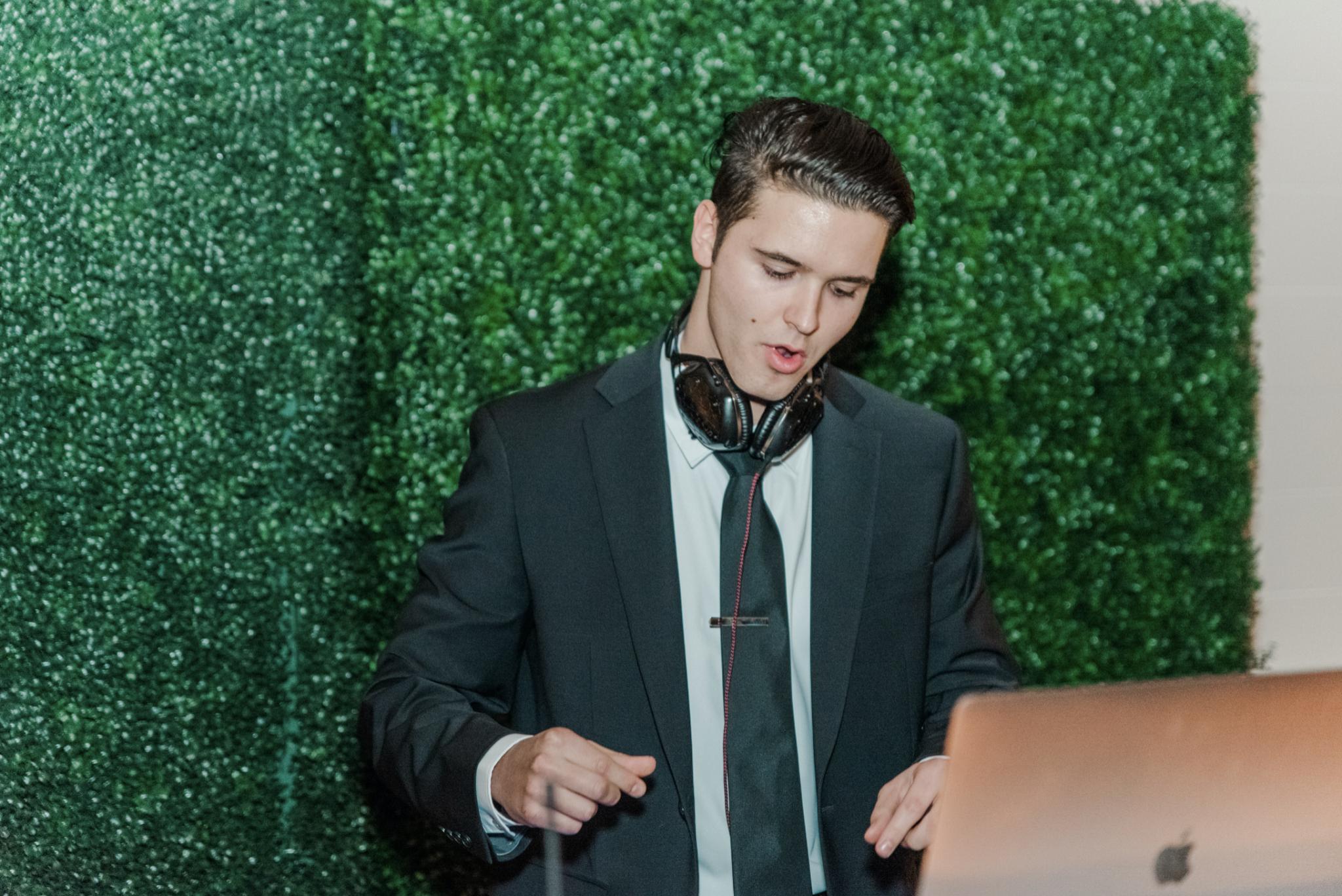 DJ Yanko Hernando   Elegant Music Group