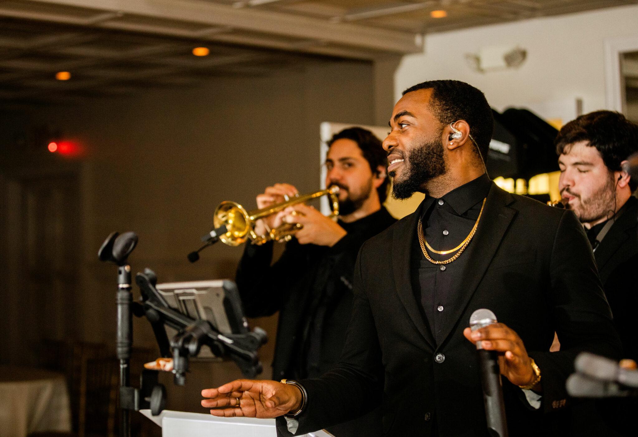 CityScape & The Park Avenue Horns   Elegant Music Group